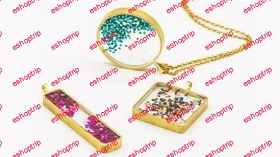 Resin jewelry with glitter
